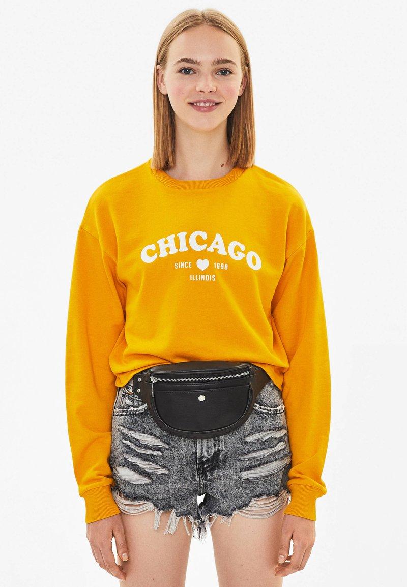 Bershka - MIT PRINT - Sweatshirt - mustard yellow
