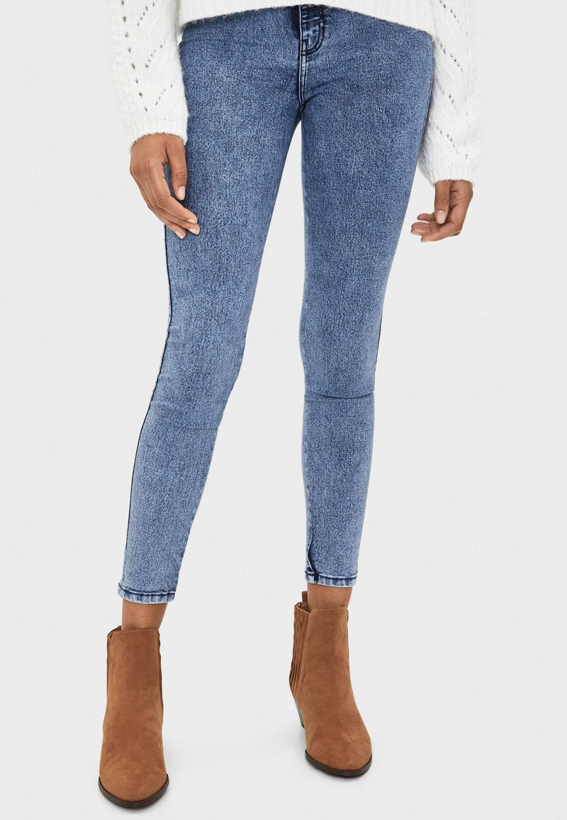 Bershka - Jeansy Skinny Fit - blue denim