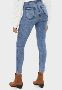 Bershka - Jeansy Skinny Fit - blue denim - 2