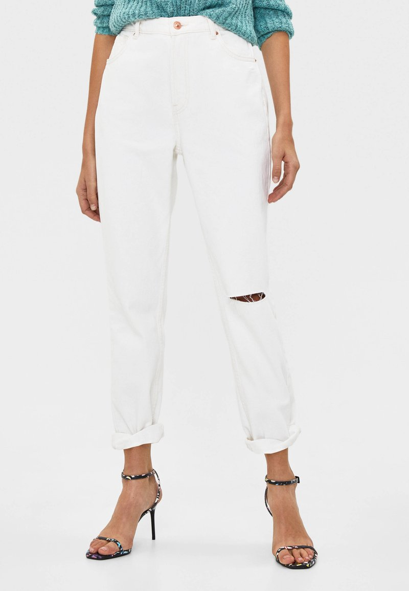 Bershka - Relaxed fit jeans - white