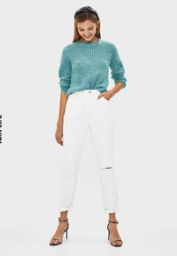 Bershka - Relaxed fit jeans - white - 1