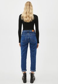 Bershka - Jeansy Relaxed Fit - blue - 4