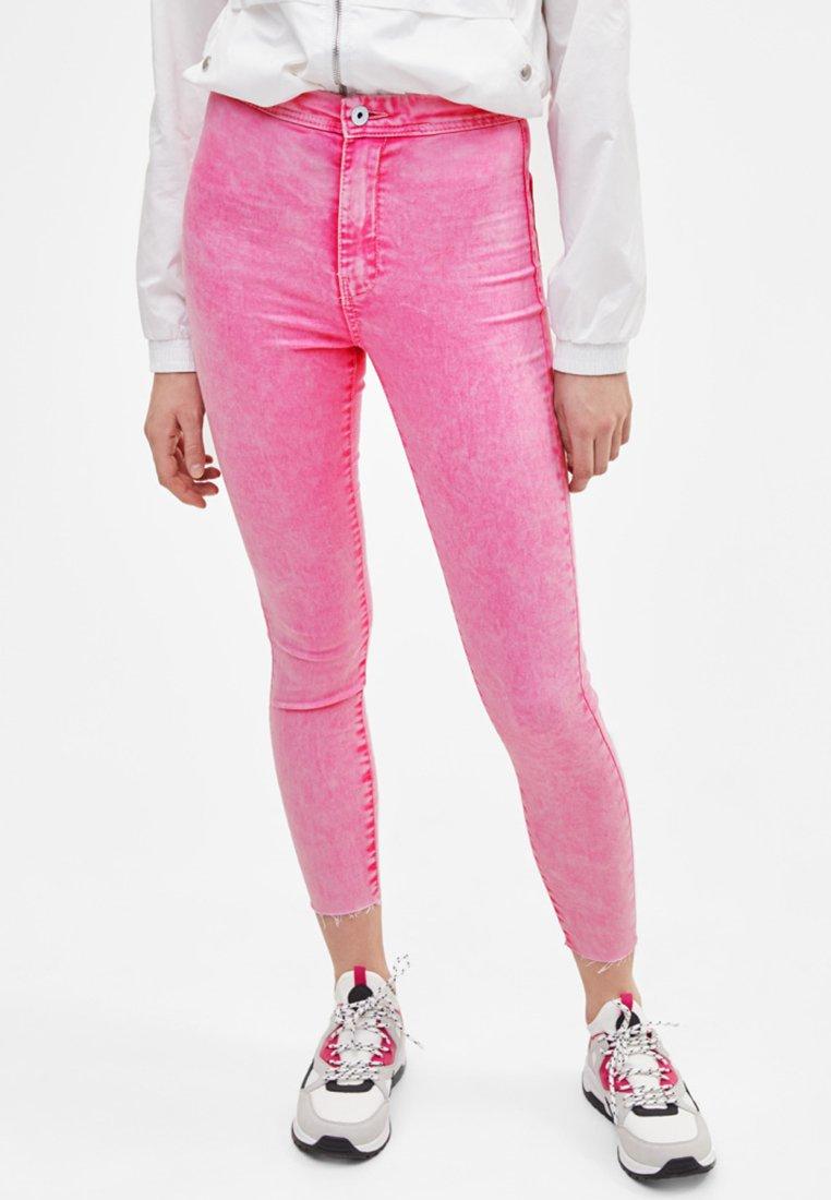 Bershka - Jeans Skinny Fit - rose
