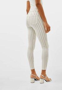 Bershka - Jeans Skinny - beige - 2