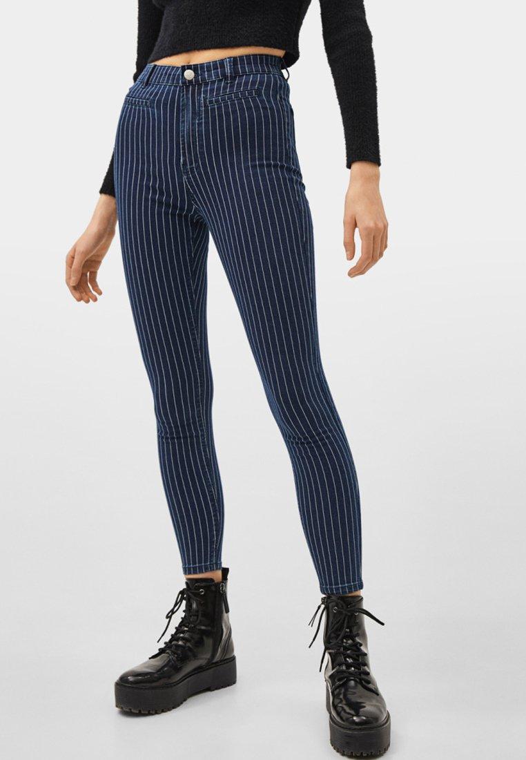 Bershka - Jeans Skinny Fit - dark blue