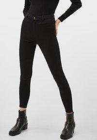 Bershka - Jeans Skinny Fit - black - 0
