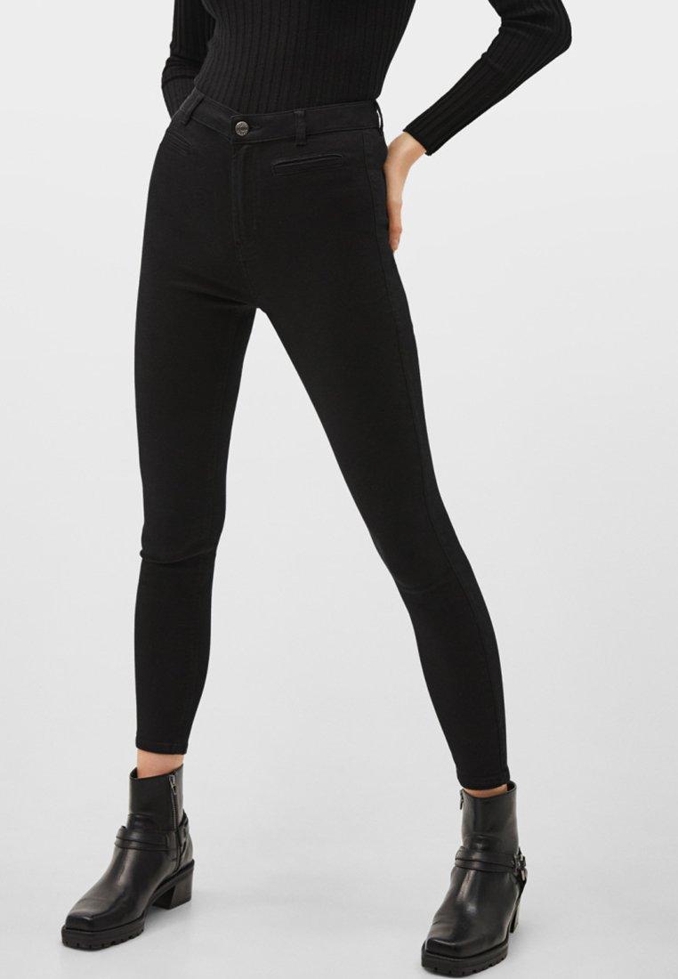 Bershka - Jeans Skinny Fit - black