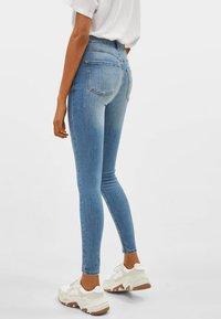 Bershka - Jeans Skinny Fit - light blue - 2