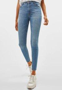 Bershka - Jeans Skinny Fit - light blue - 0