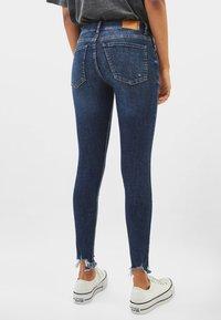 Bershka - LOW WAIST - Jeans Skinny - dark blue - 2