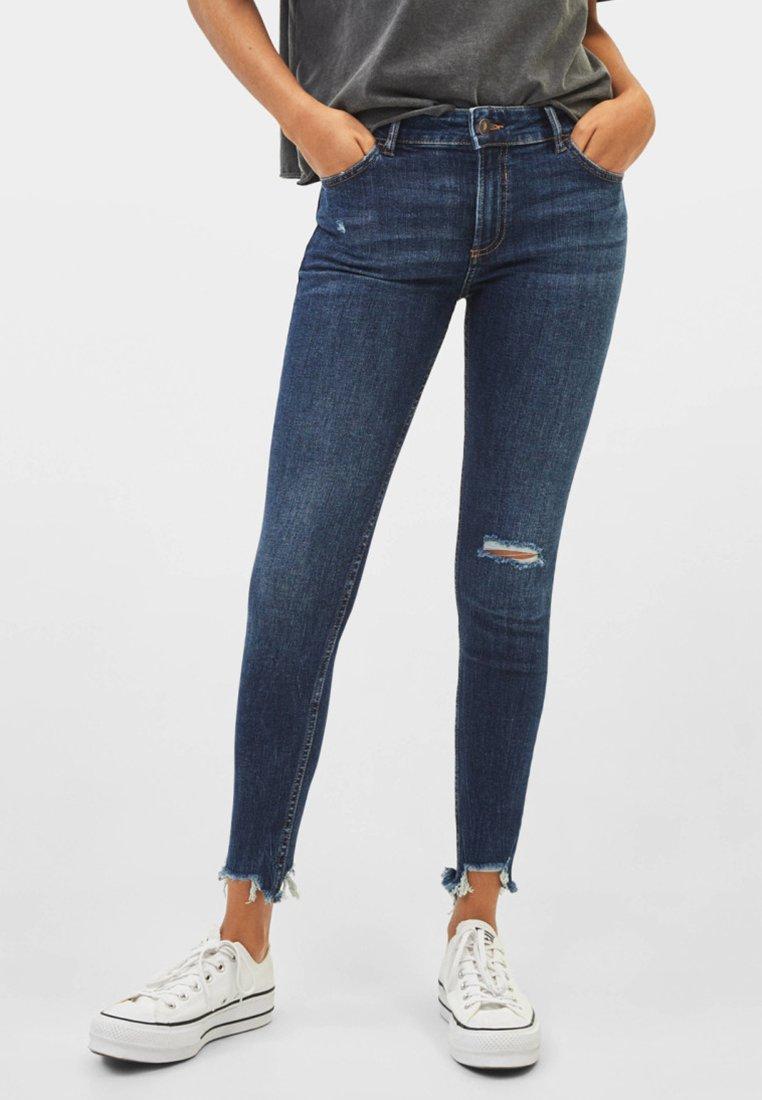 Bershka - LOW WAIST - Jeans Skinny - dark blue