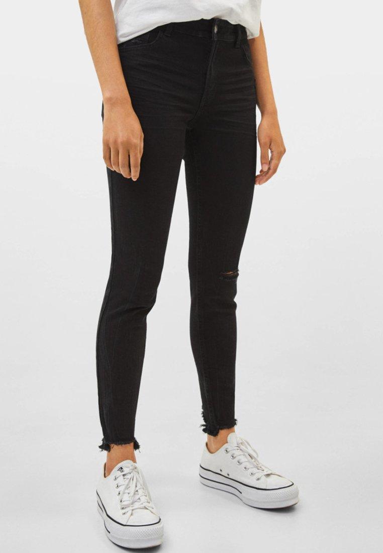Bershka - LOW WAIST - Jeans Skinny Fit - black
