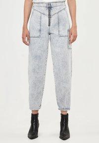 Bershka - Jeans a sigaretta - gray - 0