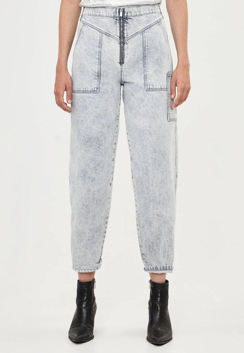 Bershka - Jeans a sigaretta - gray