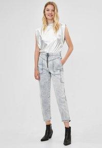 Bershka - Jeans a sigaretta - gray - 1
