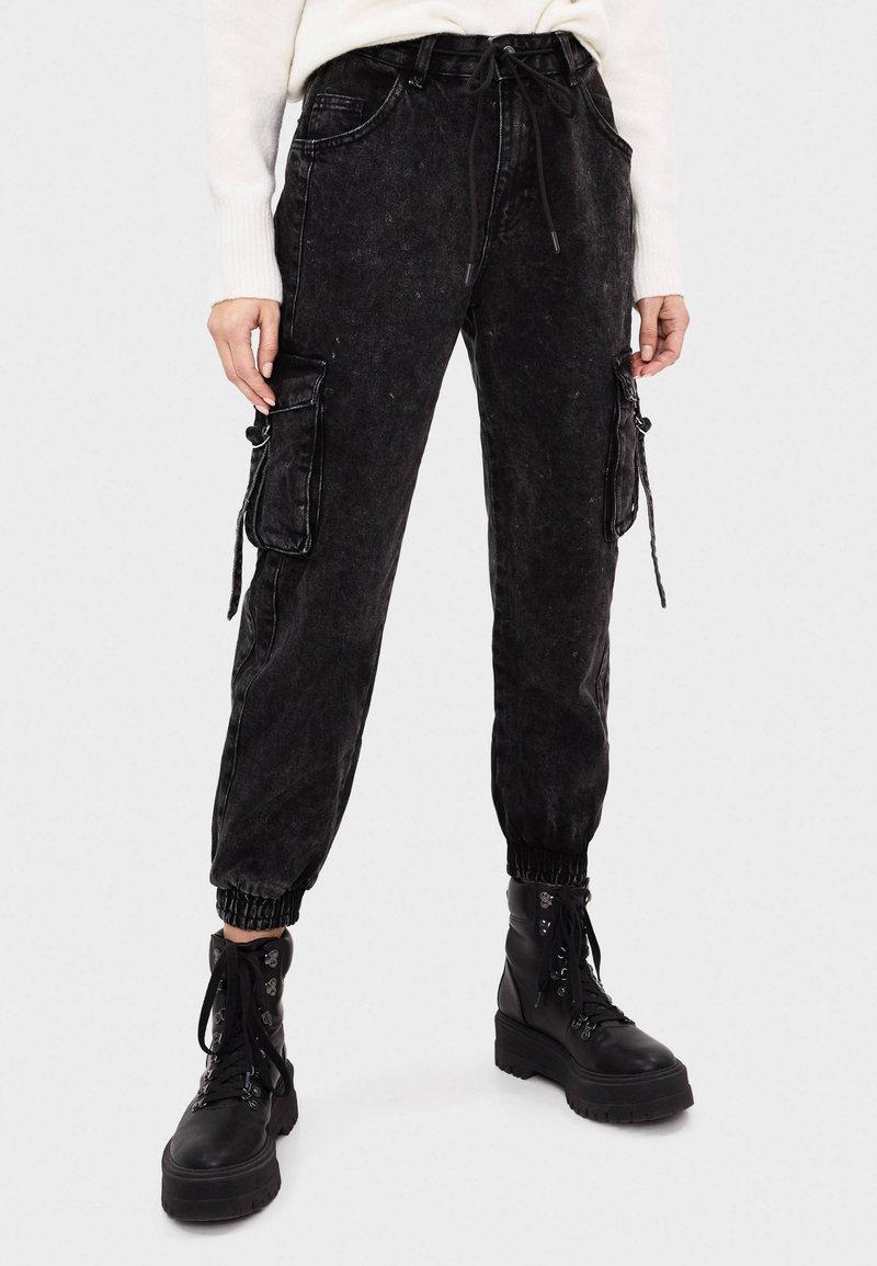 Bershka - Jeans fuselé - black