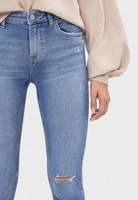 Bershka - SKINNY-JEANS MIT HOHEM BUND 00001211 - Jeans Skinny Fit - blue denim - 3