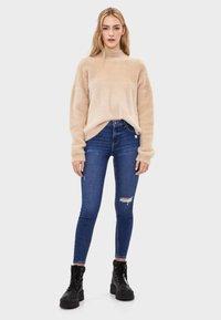 Bershka - SKINNY-JEANS MIT HOHEM BUND 00001211 - Jeans Skinny - light blue - 1