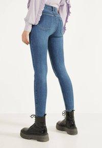 Bershka - Jeansy Skinny Fit - light blue - 2