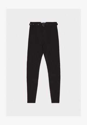 MIT HOHEM BUND UND GÜRTEL - Jeansy Skinny Fit - black