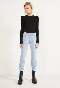Bershka - MOM - Straight leg jeans - blue denim - 1