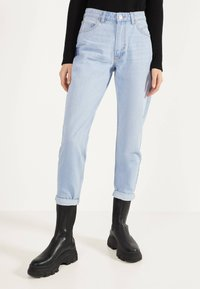 Bershka - MOM - Straight leg jeans - blue denim - 0
