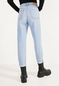 Bershka - MOM - Straight leg jeans - blue denim - 2