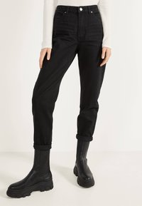 Bershka - MOM - Straight leg jeans - black - 0