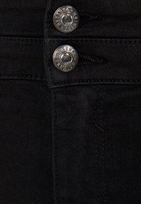 Bershka - MIT DOPPELTEM BUND - Jeans Skinny Fit - black - 5