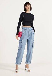 Bershka - Relaxed fit jeans - blue denim - 1