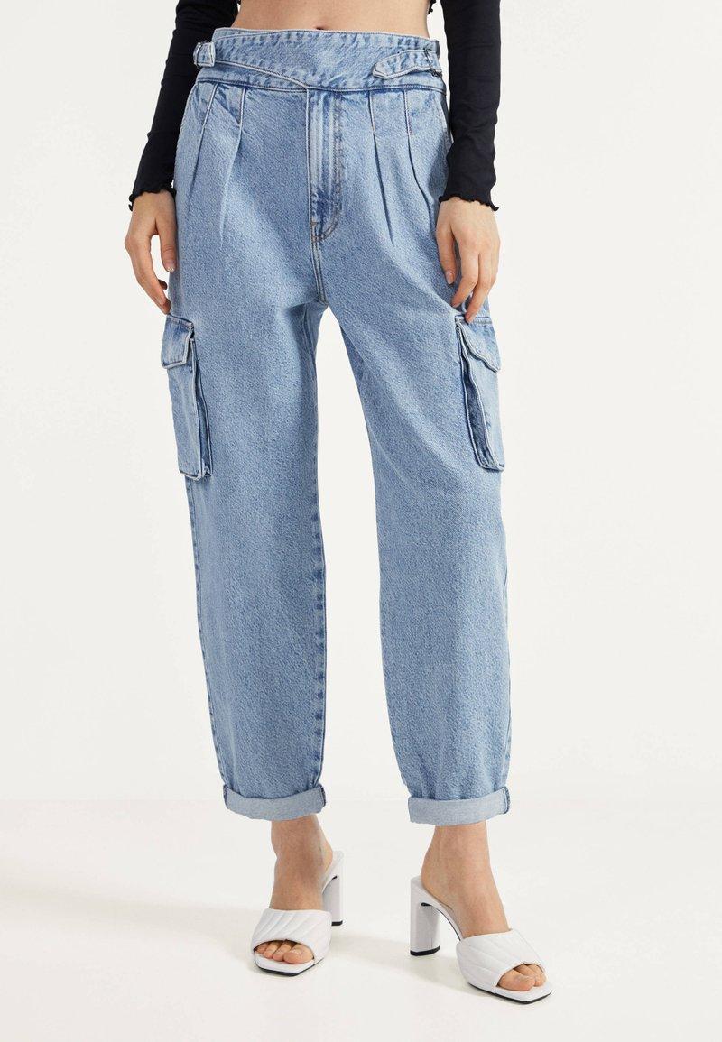 Bershka - Relaxed fit jeans - blue denim