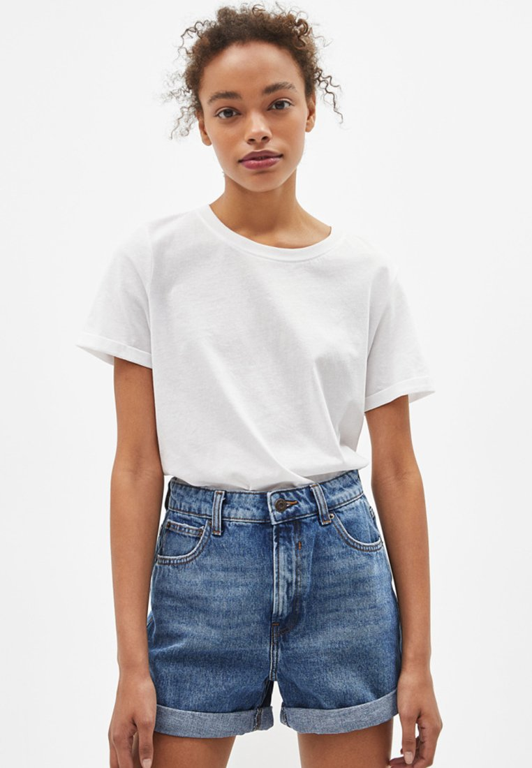 Bershka - Denim shorts - blue