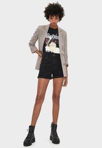 Bershka - Jeans Shorts - black - 1