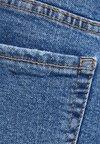 Bershka - MIT SAUMAUFSCHLAG - Jeans Shorts - blue