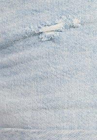 Bershka - DENIM-SHORTS MIT SAUMAUFSCHLAG 02596211 - Farkkushortsit - blue - 5