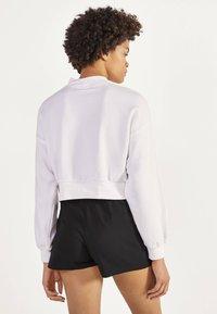 Bershka - KARIERTER - Shorts - black - 2