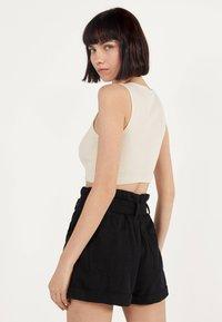 Bershka - MIT GÜRTEL  - Jeans Shorts - black - 3