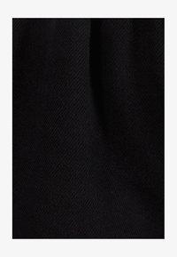 Bershka - MIT GÜRTEL  - Jeans Shorts - black - 5