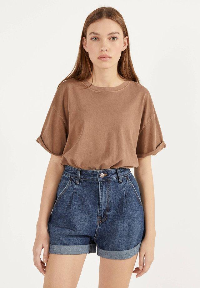 MOM - Shorts di jeans - light blue