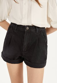 Bershka - MOM - Jeans Short / cowboy shorts - black - 3