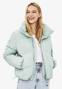 Bershka - PUFFY-JACKE 01460551 - Winter jacket - turquoise - 0