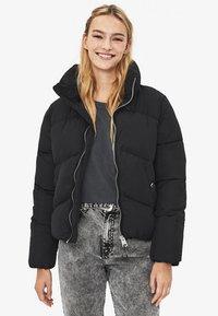 Bershka - PUFFY-JACKE 01460551 - Zimní bunda - black - 0