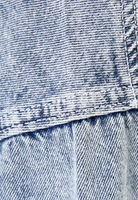 Bershka - MIT KAPUZE - Kurtka jeansowa - blue - 4