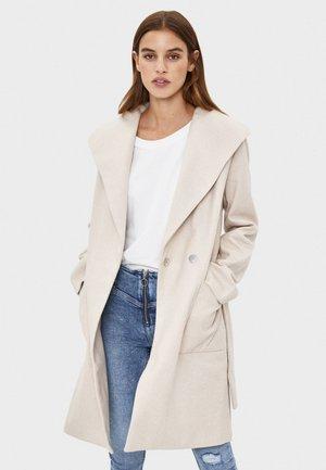 Krótki płaszcz - beige