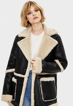 Krótki płaszcz - black