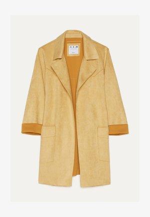 MIT GÜRTEL  - Classic coat - mustard yellow