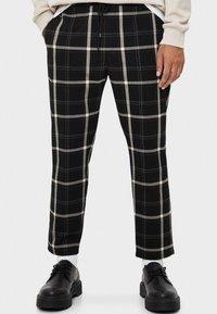 Bershka - TAILORING - Pantalon classique - black - 0