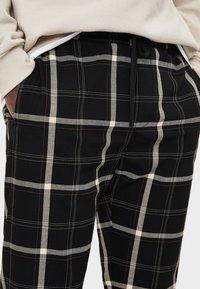 Bershka - TAILORING - Pantalon classique - black - 3