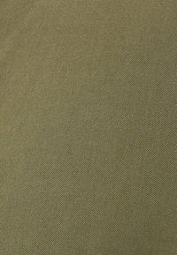 Bershka - MIT MAOKRAGEN - Skjorta - khaki - 4