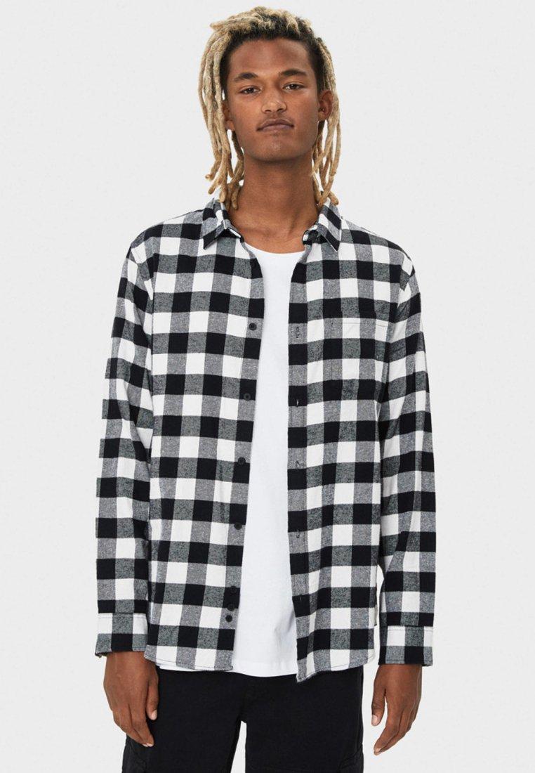 Bershka - MIT PRINT - Overhemd - black